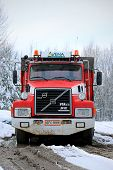 Volvo N12 Full Trailer Truck Year 1990 With 2,8 M Km On The Odometer