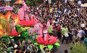 Sinulog Cebu Parade Filipino Catholic Devotees