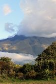Nuvem cobriu o Monte Imbabura