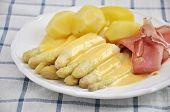 Fresh Asparagus with ham and hollandaise