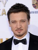 LOS ANGELES - JAN 16:  Jeremy Renner arrives to the Critics' Choice Movie Awards 2014  on January 16, 2014 in Santa Monica, CA