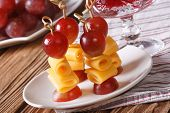Fingerfood: Grapes And Cheese On Skewers Horizontal