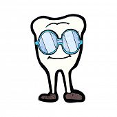 picture of spectacles  - cartoon tooth wearing spectacles - JPG