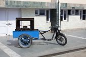 picture of rickshaw  - a motorcycle modified to make an auto rickshaw - JPG