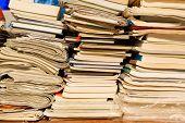 Gran pila de libros