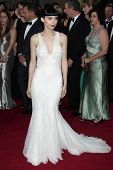 LOS ANGELES - 26 de FEB: Rooney Mara llega a 84 premios de la Academia de la Ce de Hollywood Highland &