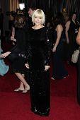LOS ANGELES - FEB 26:  Anna Faris arrives at the 84th Academy Awards at the Hollywood & Highland Cen
