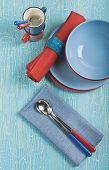 Постер, плакат: Синие и красные тарелки