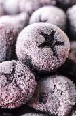 pic of aronia  - Frozen Choke-berry Macro - Aronia, perfect antioxidant