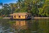 houseboat in kerala backwaters india