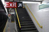 subway_exit
