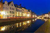 Night Canal Spiegel in Bruges, Belgium