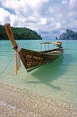 Largo barco - Ko Phi Phi Don, Tailandia