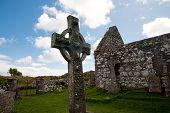 Kildalton church and cross