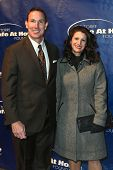 NOVA YORK-JAN 24: MLB ex jogador John Flaherty e esposa Allyn assistem o 10º aniversário Joe Torr