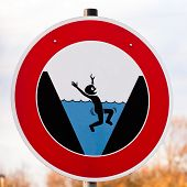 Round hazard sign warning for danger of drowning