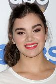 LOS ANGELES - SEP 5:  Hailee Steinfeld at the Stand Up 2 Cancer Telecast Arrivals at Dolby Theater on September 5, 2014 in Los Angeles, CA