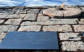 foto of arlington cemetery  - The Eternal Flame at John F - JPG