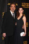 LOS ANGELES - 15 de fevereiro: Joe Mantegna, Gia Mantegna chegar em 2013 MovieGuide Awards na Univer
