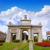 Valencia Porta Puerta del mar door square at Spain