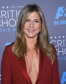 LOS ANGELES - JAN 16:  Jennifer Aniston arrives to the Critics' Choice Awards 2015  on January 16, 2015 in Hollywood, CA