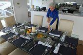 Ann Sets Table