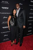 LOS ANGELES - 18 de MAR: Cookie Johnson, Magic Johnson llega a