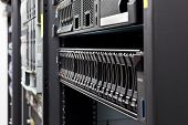 Server-Rack-Festplatten-detail