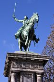 image of reining  - Statue of General Marquis de Lafayette in Cours la Reine Paris - JPG