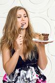 Woman enjoy cake
