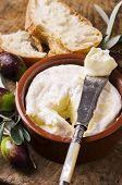 speading cheese