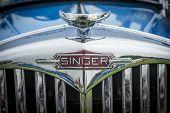 Blue Singer Vintage Car Radiator Grill