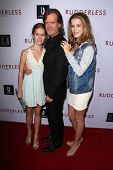 LOS ANGELES - OCT 7:  William H Macy, daughters at the