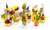 canaps with edible flowers