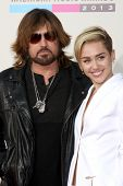 LOS ANGELES - NOV 24:  Billy Ray Cyrus, Miley Cyrus at the 2013 American Music Awards Arrivals at No