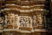 Esculturas eróticas em templo indiano
