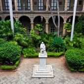 foto of christopher columbus  - Courtyard of a spanish colonial palace in Havana with a statue of Christopher Columbus - JPG