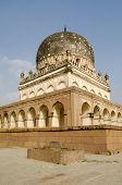 image of mughal  - View of the imposing tomb of Hayath Bakshi Begum - JPG