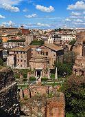 Blick auf den Tempel des Romulus aus dem Palatin, Rom