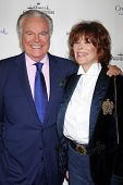 LOS ANGELES - NOV 4:  Robert Wagner, Jill St. John at the Hallmark Channel's