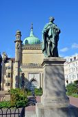 Statue Of George Iv In Front Of The Royal Pavilion.