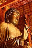 Постер, плакат: Гигантский Будда в Нара Япония