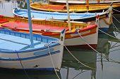 Barcos de colores