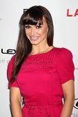 LOS ANGELES - 22 de AUG: Karina Smirnoff llega en LA Premiere de