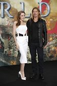 Berlín - 4 de JUN: Angelina Jolie y Brad Pitt en el estreno de 'WORLD WAR Z' en el Sony Center el 4 de junio,