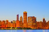 Horizonte de panorama colorido atardecer ciudad de Chicago USA del centro