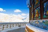 Shanti stupa - corridor