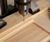 Drilling Small Hole In Wood