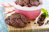 Chocolate cookies i a bowl