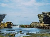 Amazing landscape at The Tanah Lot Temple, the most important indu temple of Bali, Indonesia.